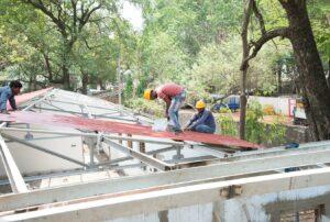 Galvanium Roof being fixed.