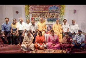 Brahmacharis Dhairyananda and Chinmayananda with Sambhalpur devotees.