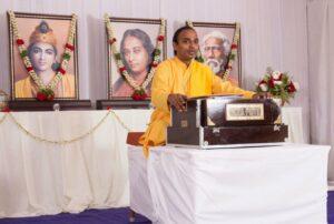 Brahmachari Niranjanananda reviews meditation technique, Thanjavur.