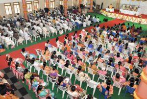 Brahmachari Kedarananda reviews a meditation technique, Vijayawada.