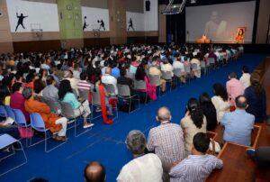 Overflowing audience, Gurugram.
