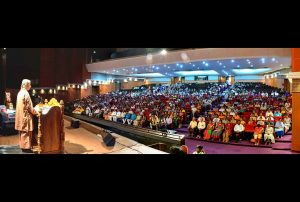 Around 800 attend the talk and more than 250 enroll for YSS Lessons.