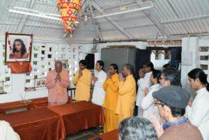 Swami Krishnananda inaugurates the reception booth.