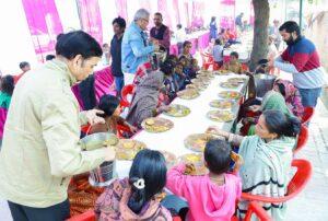 Feeding, Lucknow.