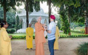 Greeting a long time sevak at Ranchi ashram.
