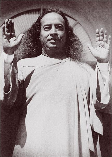 Yogananda blessing his disciples.