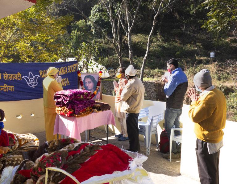 Blankets distribution During Janmotsav, Dwarahat