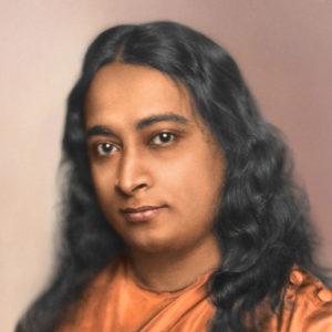 आध्यात्मिक गौरव ग्रंथ योगी कथामृत के सुप्रसिद्ध लेखक, परमहंस योगानन्दजी  ने 1917 में योगदा सत्संग सोसाइटी ऑफ़ इण्डिया की स्थापना की