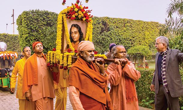 Prabhat feri by YSS monks in Noida